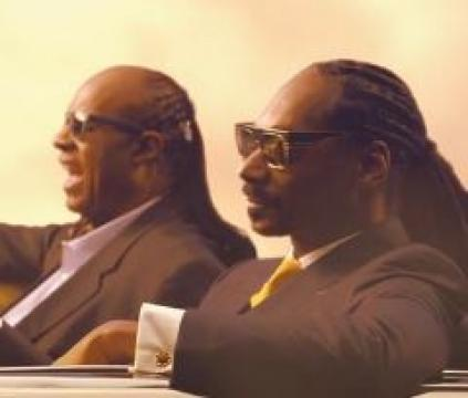 Snoop Dogg ft. Stevie Wonder & Pharrell Williams - California Roll