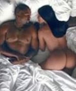 Kanye West ft. Rihanna - Famous